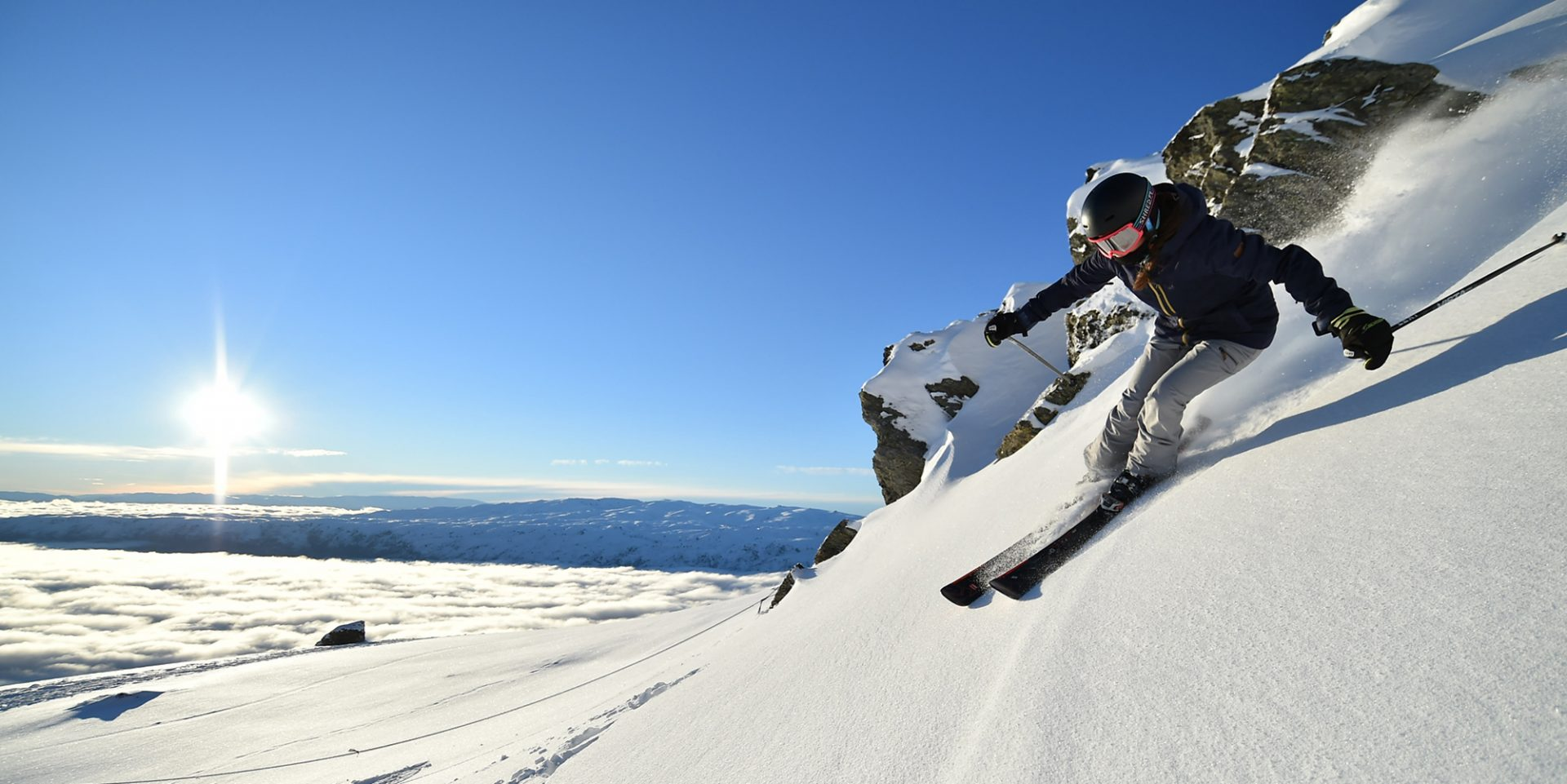 Cardrona Alpine Resort - Woman Ski - highres